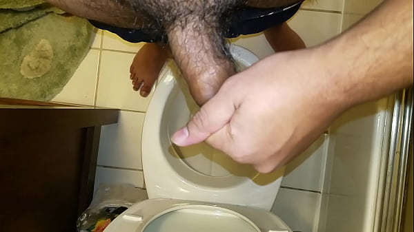 Cum dripping, Foreskin