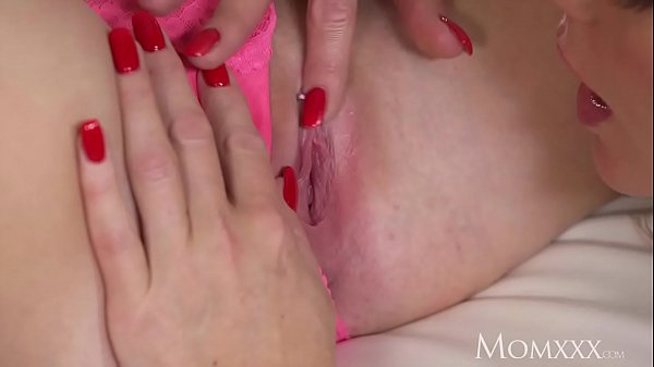 Young mom, Teen tits, Mom young, Mom tits, Older woman, Mom ass