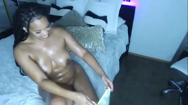 Shaking, Oil ass, Ebony ass