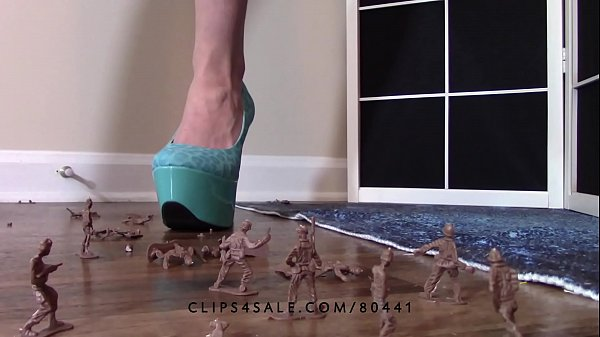 High heels, Army, Giantess